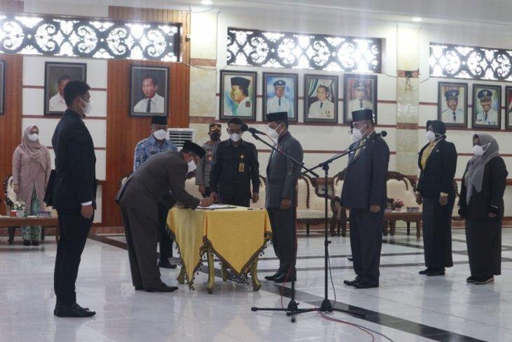 Bupati Kotabaru lantik sembilan pejabat melalui lelang jabatan