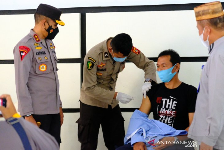 Polda Gorontalo lakukan vaksinasi COVID-19 di lapas