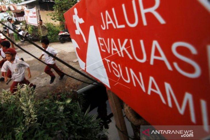 Jika di Padang terjadi gempa diikuti tsunami, ketinggian gelombangnya bisa capai enam meter