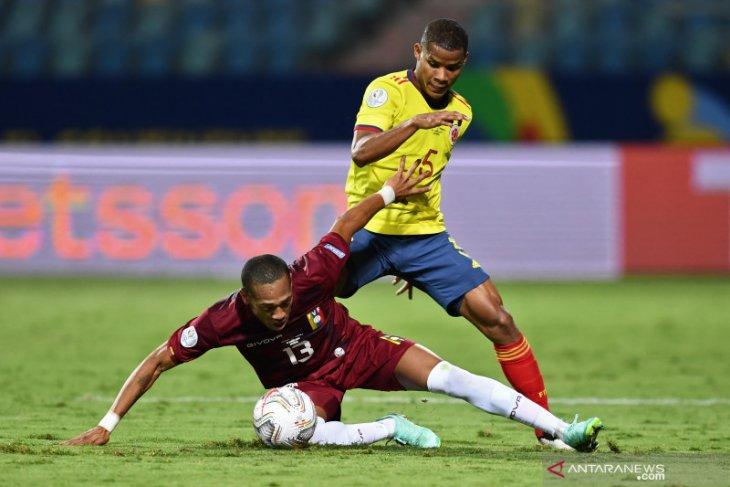 Kokohnya pertahanan Venezuela paksa Timnas Kolombia bermain imbang 0-0