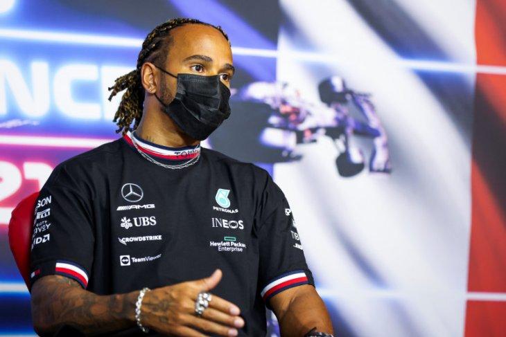 Mercedes modifikasi tombol 'ajaib' Hamilton setelah blunder di Azerbaijan