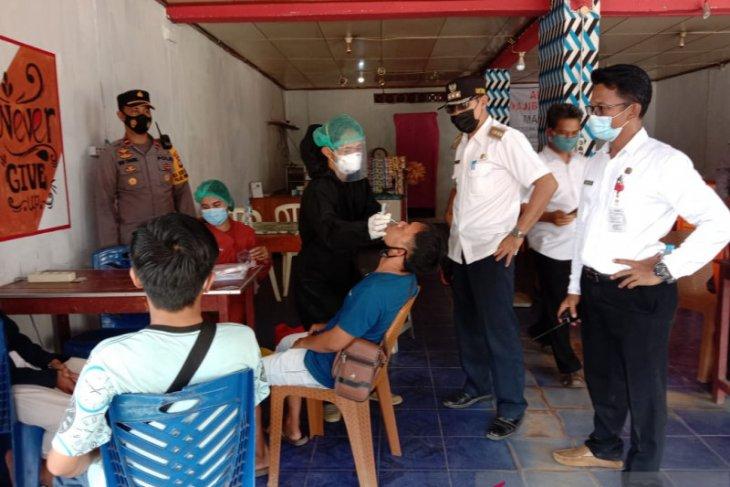 Satgas COVID-19 Kecamatan Sengah Temila razia di Pasar Pahauman