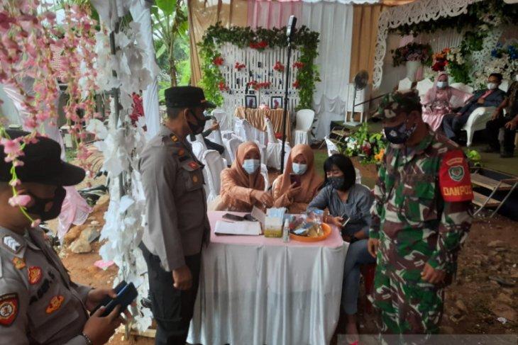 Langgar prokes, pesta pernikahan di Sukabumi dibubarkan