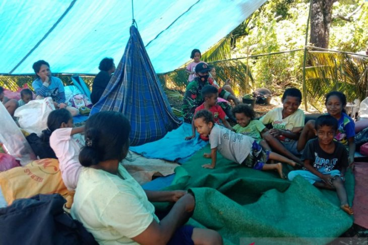 7.227 warga Tehoru masih bertahan di dataran tinggi trauma gempa di Maluku Tengah butuhkan bantuan