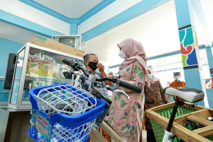 Pemkab Banyuwangi pulihkan ekonomi lewat program bantuan alat usaha produktif