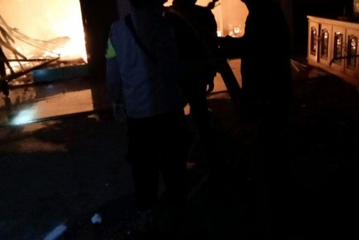 Satu toko elektronik di Mukomuko terbakar
