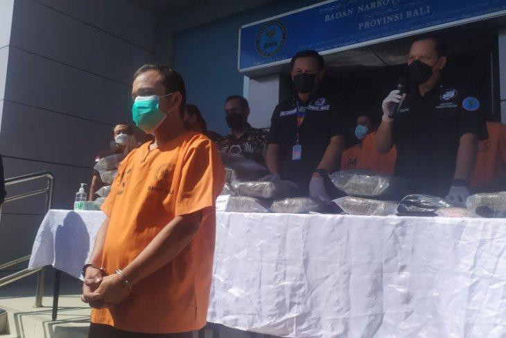 BNN tangkap buron pemasok ganja lintas provinsi Sumatera-Bali