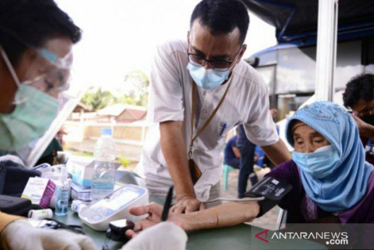 Mobil sehat PT Timah sambangi Desa Tepus, Warga antusias periksa kesehatan