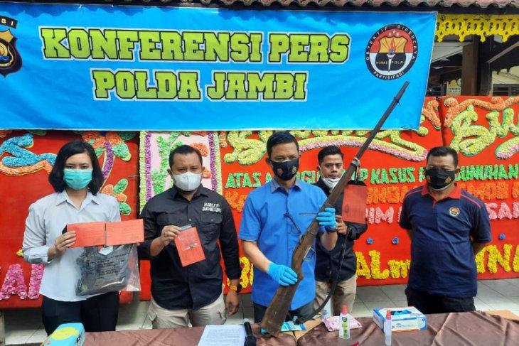 Polisi Jambi menerima penyerahan 140 senjata api rakitan milik warga