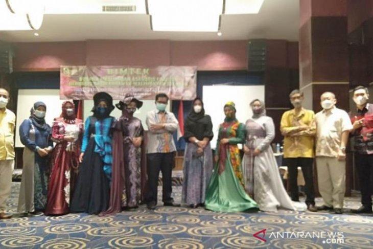 20 peserta ikuti bimtek busana muslim dan aksesoris fashion berbasis Sasirangan