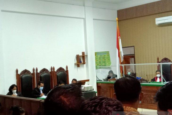Korupsi  pengalihan aset tanah pengacara dipenjara 10,5 tahun