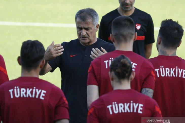 Turki berharap keajaiban saat hadapi Swiss di laga pamungkas