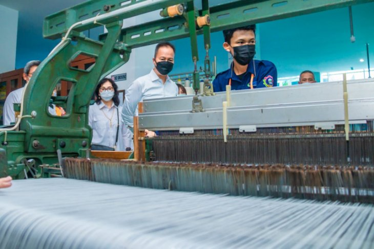 High demand for skilled workers in textile industry: Kartasasmita