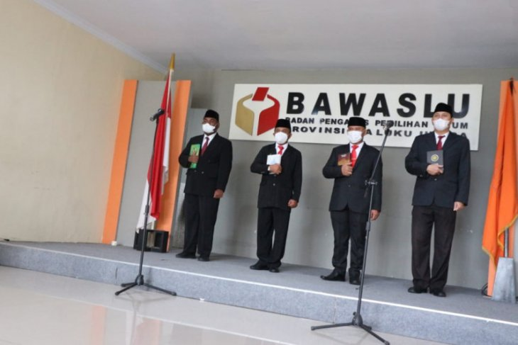 Sekjen Bawaslu lantik empat pejabat Administrator Bawaslu Malut sukses bertugas