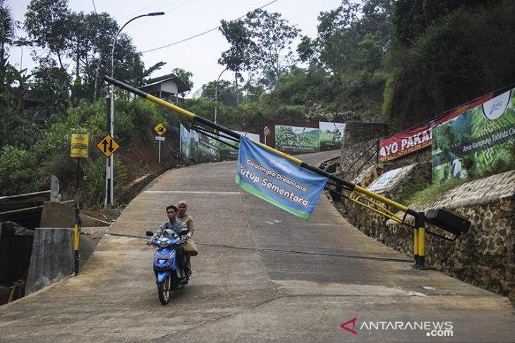 Penutupan kawasan wisata di Kabupaten Bandung