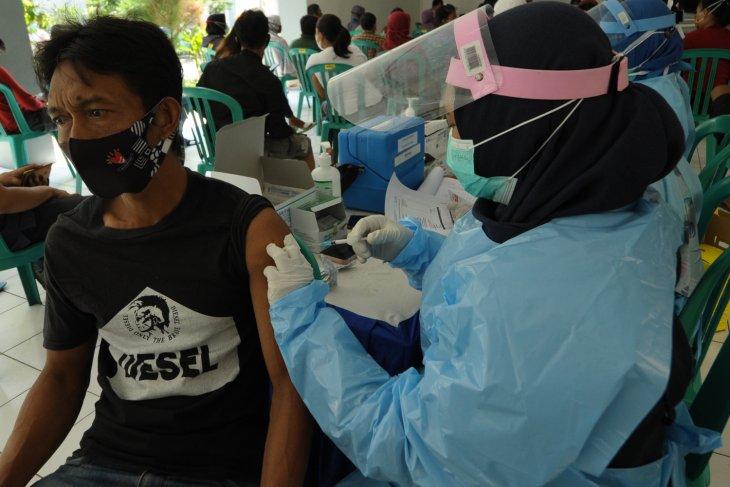 Dinkes: Vaksinasi COVID-19 di Kota Surabaya capai 1.289.265 jiwa