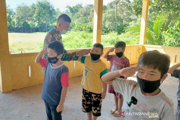 Satgas TMMD bekalin anak Desa Sihuom ilmu disiplin