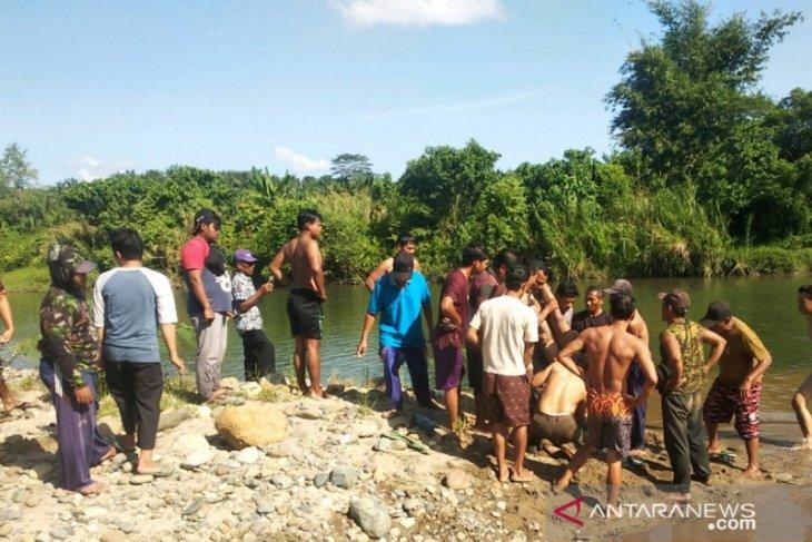 Pelajar tenggelam di Air Dikit Mukomuko ditemukan meninggal dunia
