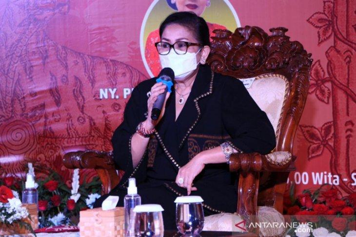 Dekranasda Bali ajak perajin lokal kreatif tata tampilan produk