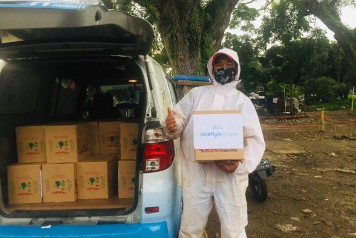 Kasus COVID-19 tinggi, Human Initiative distribusikan makanan dan multivitamin