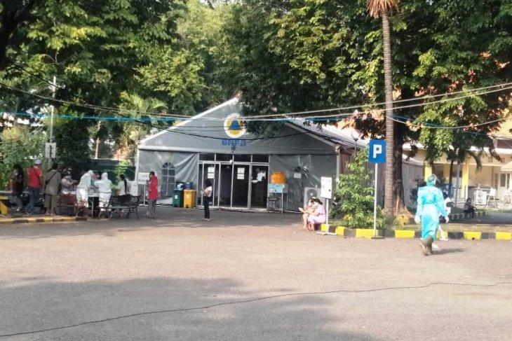 Sembuh, dua pasien COVID-19 varian Delta di RSLI Surabaya diperbolehkan pulang