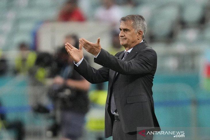 Pelatih Turki tidak mundur walau gagal total di Euro 2020