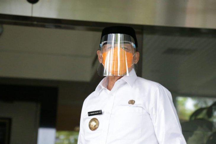 Gubernur Banten mengajak masyarakat disiplin protokol kesehatan untuk tekan COVID-19