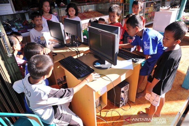 Indonesia butuh satelit untuk pemerataan akses internet