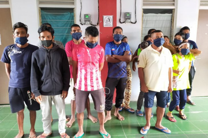 Belasan pekerja migran Indonesia pulang lewat jalur ilegal karena orang tua sakit