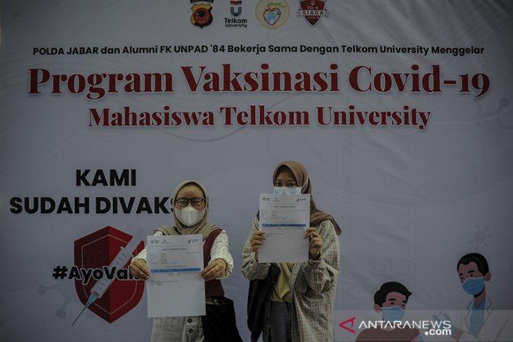 Vaksinasi COVID-19 bagi mahasiswa