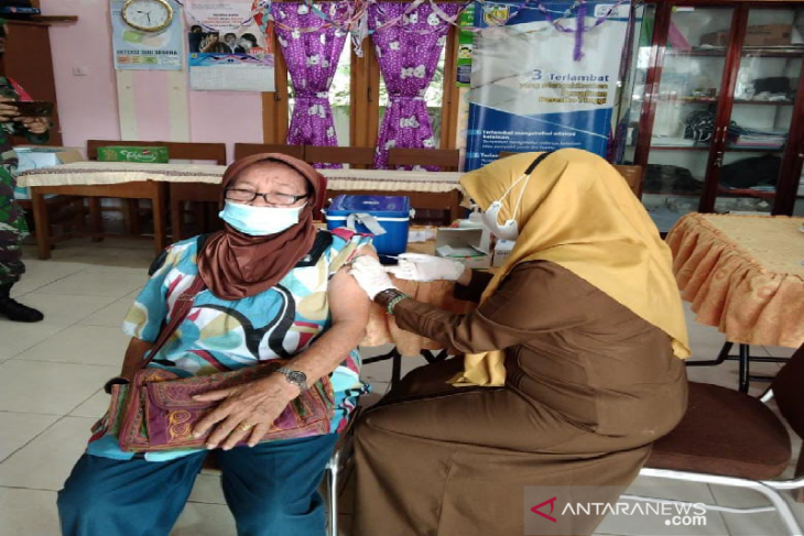 Ini jumlah lansia yang telah menerima vaksin  di Banda Aceh