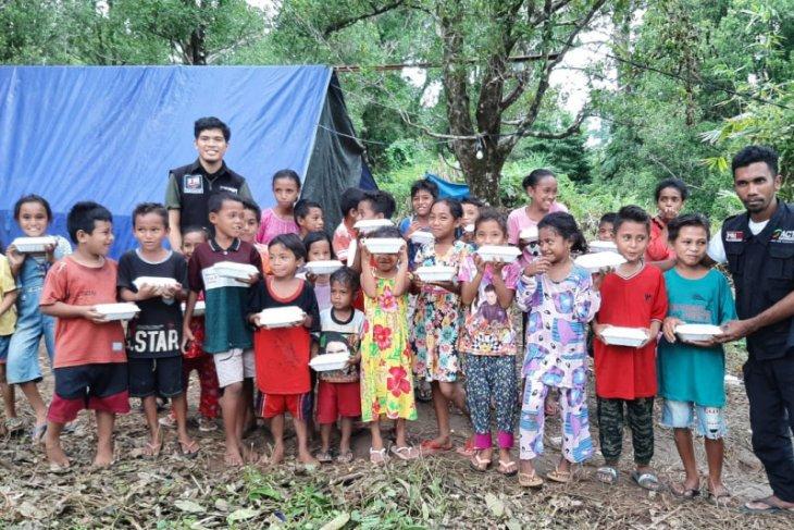 ACT-MRI distribusikan makanan siap saji untuk anak-anak pengungsi terdampak gempa kepedulian sosial