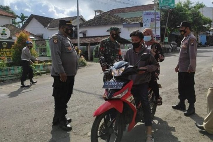 Polres Madiun bersama TNI tingkatkan operasi yustisi prokes cegah COVID-19