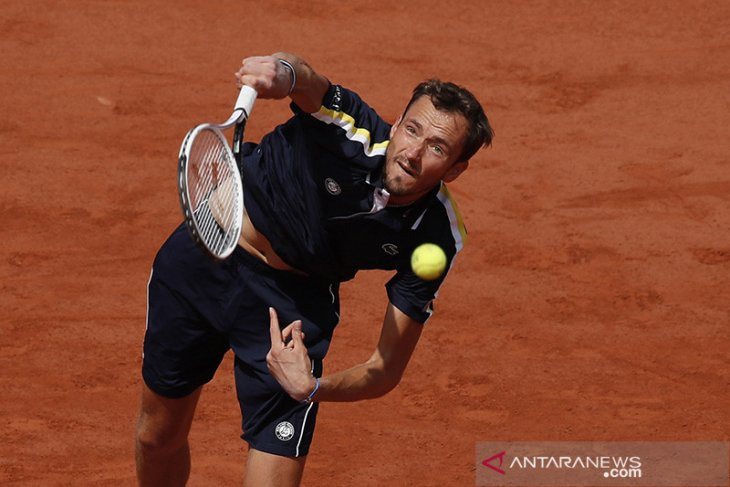 Jelang Wimbledon,  Medvedev raih gelar lapangan rumput perdana
