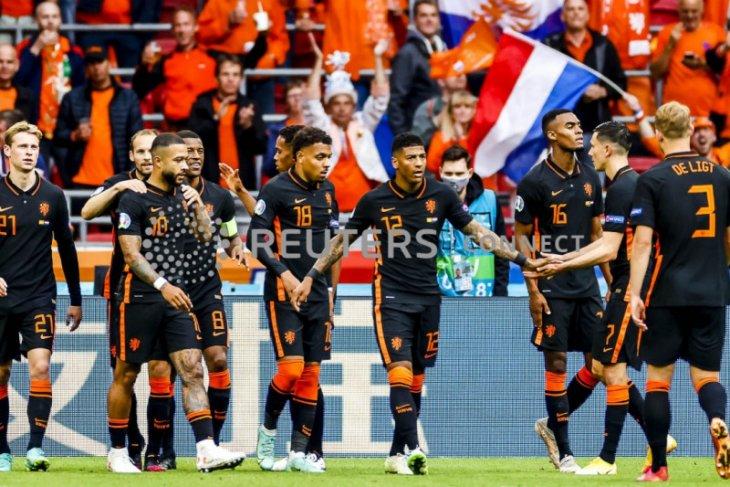 Belanda sapu bersih fase grup kalahkan Makedonia Utara 3-0