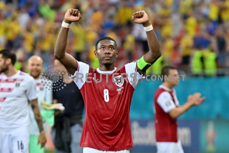 Si serba bisa David Alaba  membuat mimpi Austria tetap menyala