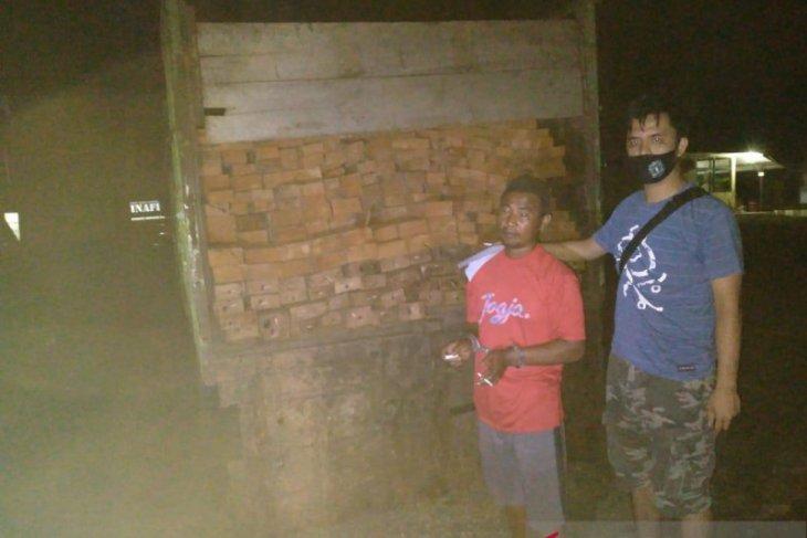 Polisi tangkap empat pelaku pembalakan liar di Mukomuko