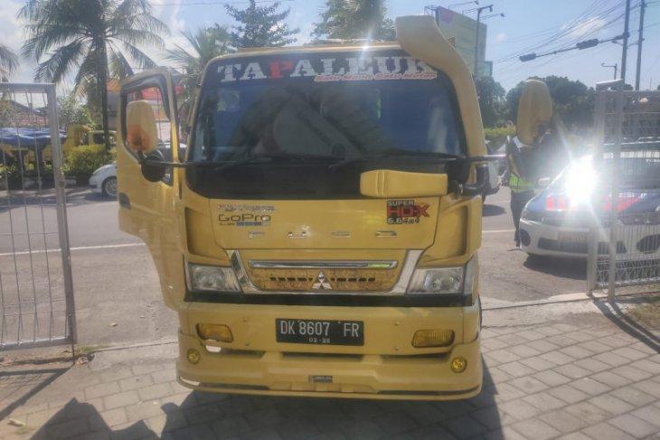 Sopir truk tabrak polisi Denpasar ditetapkan jadi tersangka
