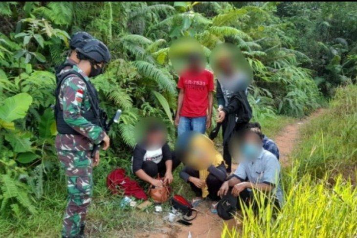 80 PMI non prosedural ditangkap Satgas Pamtas diperbatasan