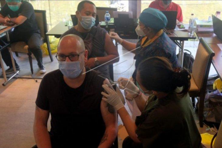 Vaksin dosis kedua bagi WNA