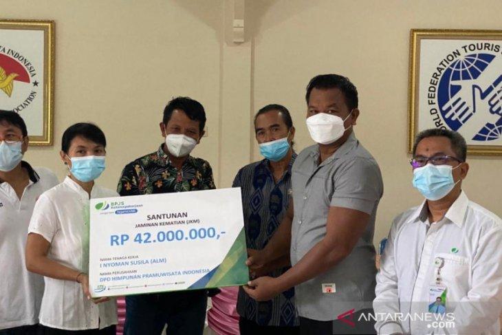 BPJAMSOSTEK Denpasar serahkan santunan kematian kepada anggota HPI Bali