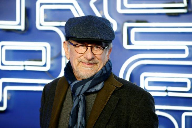 Steven Spielberg siap garap berbagai film untuk Netflix