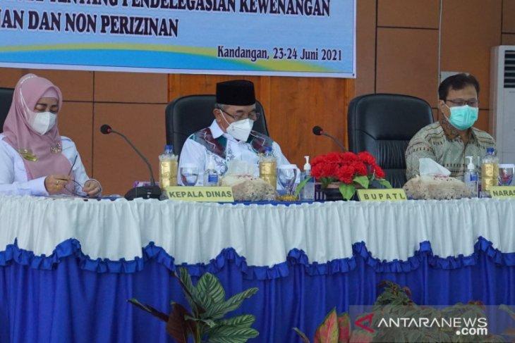 30 peserta ikuti sosialisasi kebijakan penanaman modal Dinas PMPTSP HSS