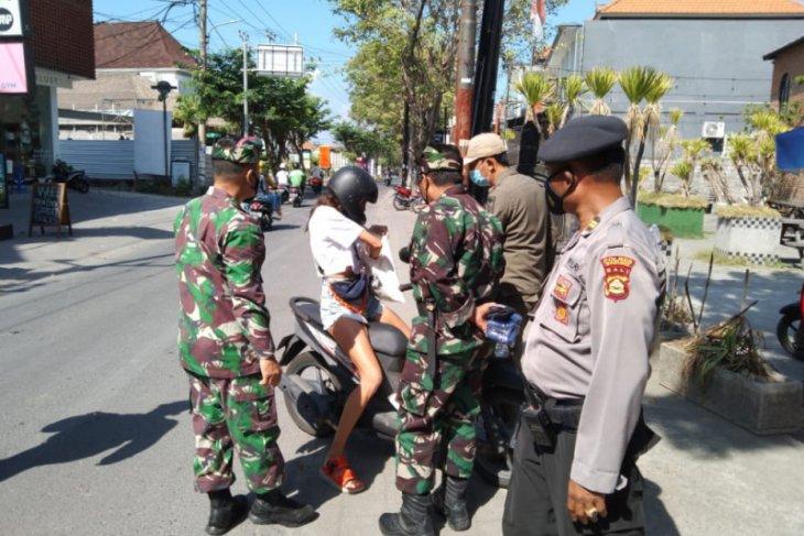 Tujuh WNA di Badung-Bali dikenai sanksi denda karena langgar prokes