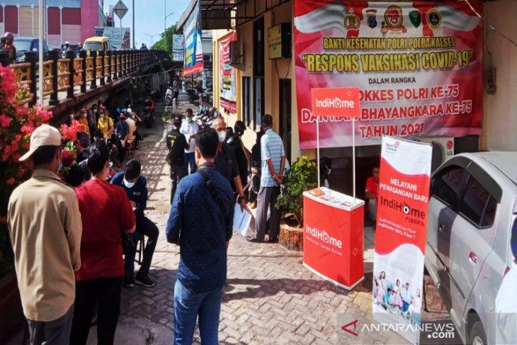 Polda Kalsel vaksinasi COVID-19 pedagang pasar Banjarmasin