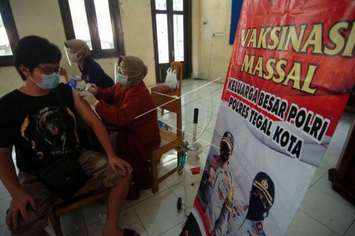 Vaksinasi massal masyarakat umum