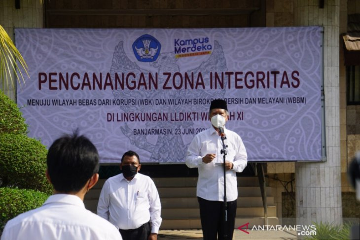 LLDIKTI Wilayah XI Kalimantan dicanangkan menjadi zona integritas pelayanan