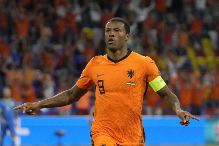 Euro 2020, Wijnaldum minta UEFA ambil tindakan lebih tegas terhadap rasilalisme