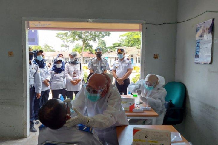 Jasa Raharja gelar rapid test antigen gratis di Terminal Alam Barajo