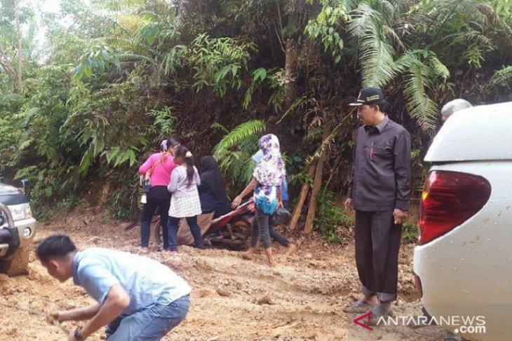 80 persen jalan di Bengkulu Utara rusak